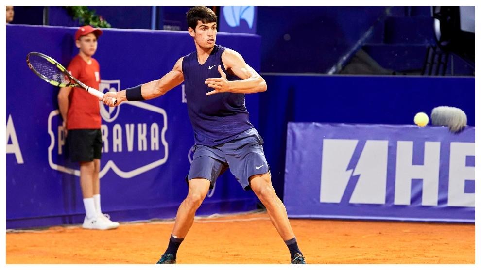 Carlos Alcaraz derrota a Ramos y es el finalista más joven de la ATP en 13...