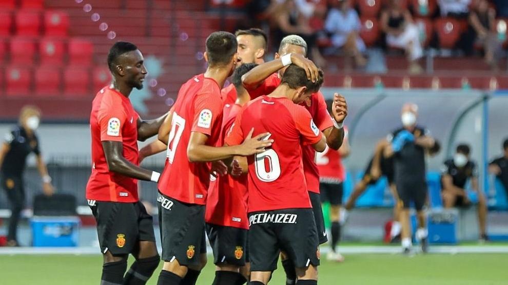El Mallorca remonta y se lleva el triunfo en el derbi balear