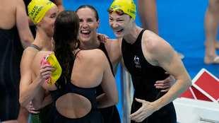El cuarteto australiano celebra su victoria y el récord del mundo