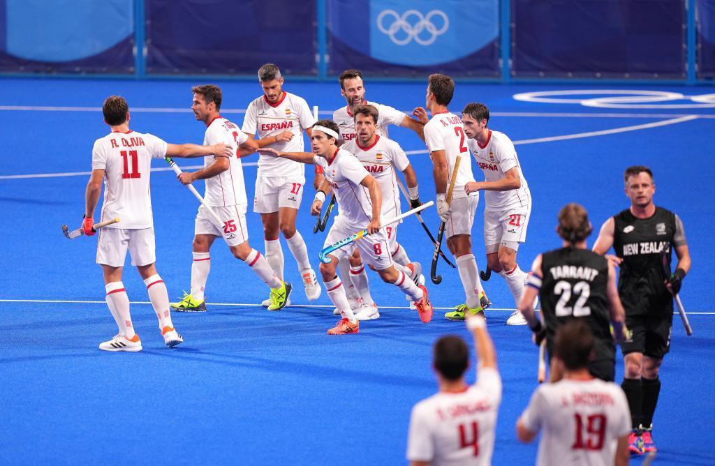La selección española celebra uno de sus tantos ante Nueva Zelanda.