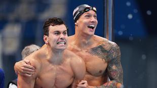 Estados Unidos se queda con el oro en los relevos de 4x100 metros...