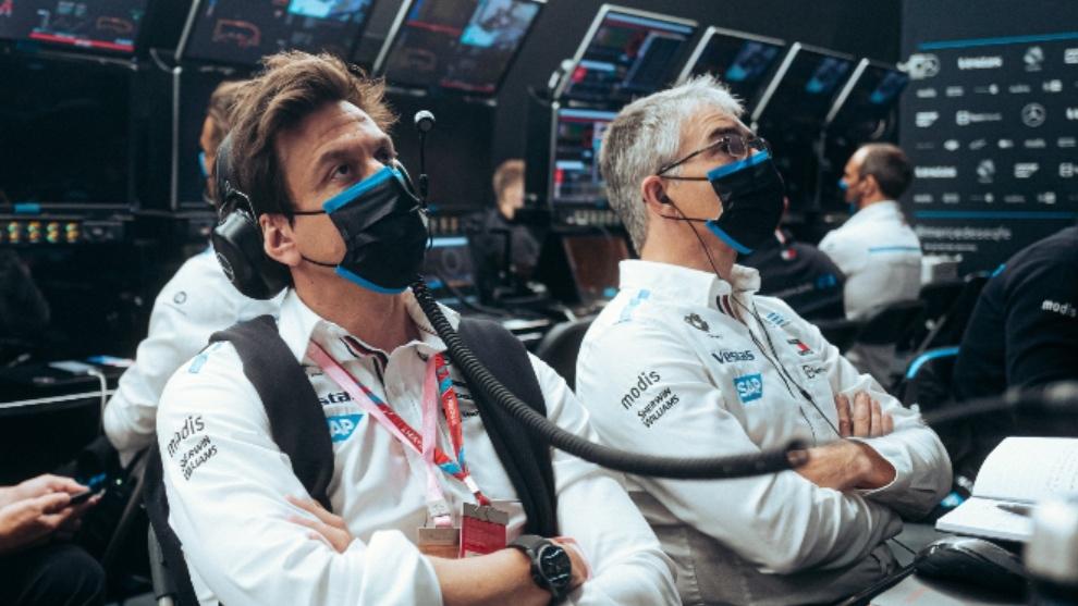 Toto Wolff acompañando al equipo en Fórmula E