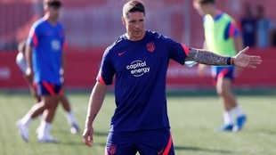 Torres gives instructions.