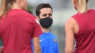 Jonatan Giráldez dirigiendo la sesión de entrenamiento del...