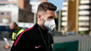 Sergi Gómez firma por el Espanyol.