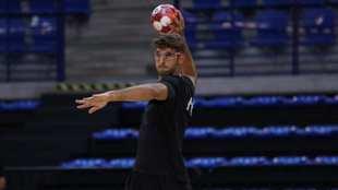 Antonio Serradilla, durante su primer entrenamiento tras su problema...