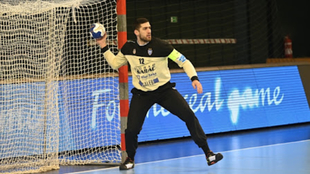 El potero serbio Milan Bomastar, durante un partido con la...