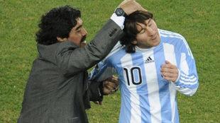 Maradona y Messi, cundo el 'Pelusa' era el selccionador de...