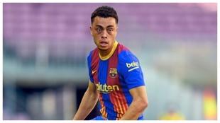 Dest rechaza ofertas de tres ligas diferentes para quedarse en el Barça