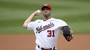 Scherzer había recibido permiso para conversar con los Dodgers.