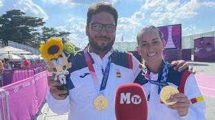 Alberto Fernández y Fátima Gálvez posando para MARCA con sus...