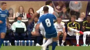 Cuando a Fekir se le va la olla: la feísima entrada por detrás que lesionó a un jugador del Leeds