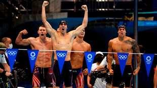 Los estadounidenses celebran su triunfo en la última prueba de la...