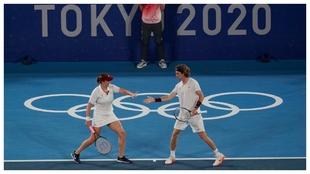Pavlyuchenkova y Rublev se felicitan