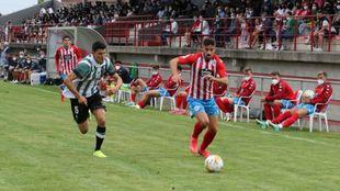 Una imagen del derbi gallego disputado en el Municipal Arturo Pereiro