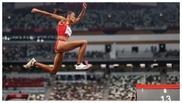 Ana Peleteiro, en el primer salto del concurso final del triple salto.