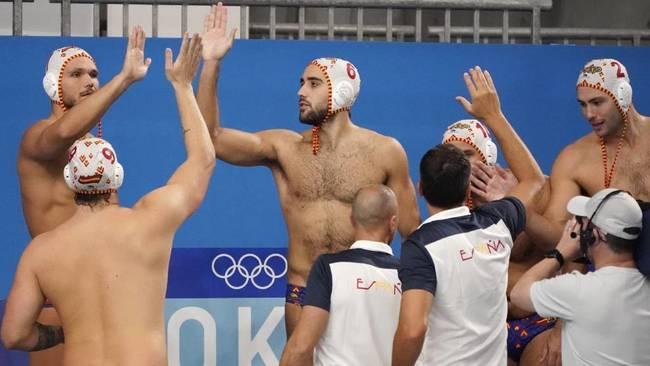 Los jugadores españoles celebran la victoria