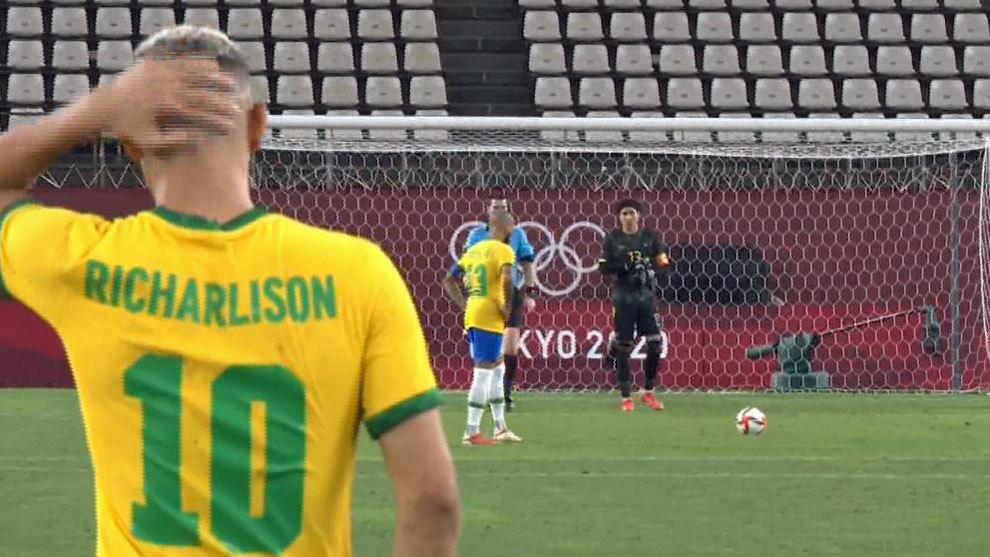 Brasil, finalista a penaltis