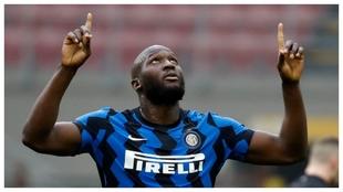 Romelu Lukaku celebra un gol en el derbi contra el Milan.