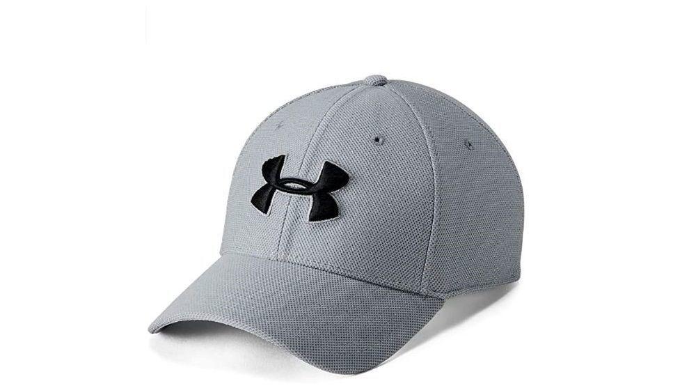 Una gorra de Under Armour, un polo Levi's al 44%, un champú anticanas, una colonia Calvin Klein al 62% y otros chollos de Amazon