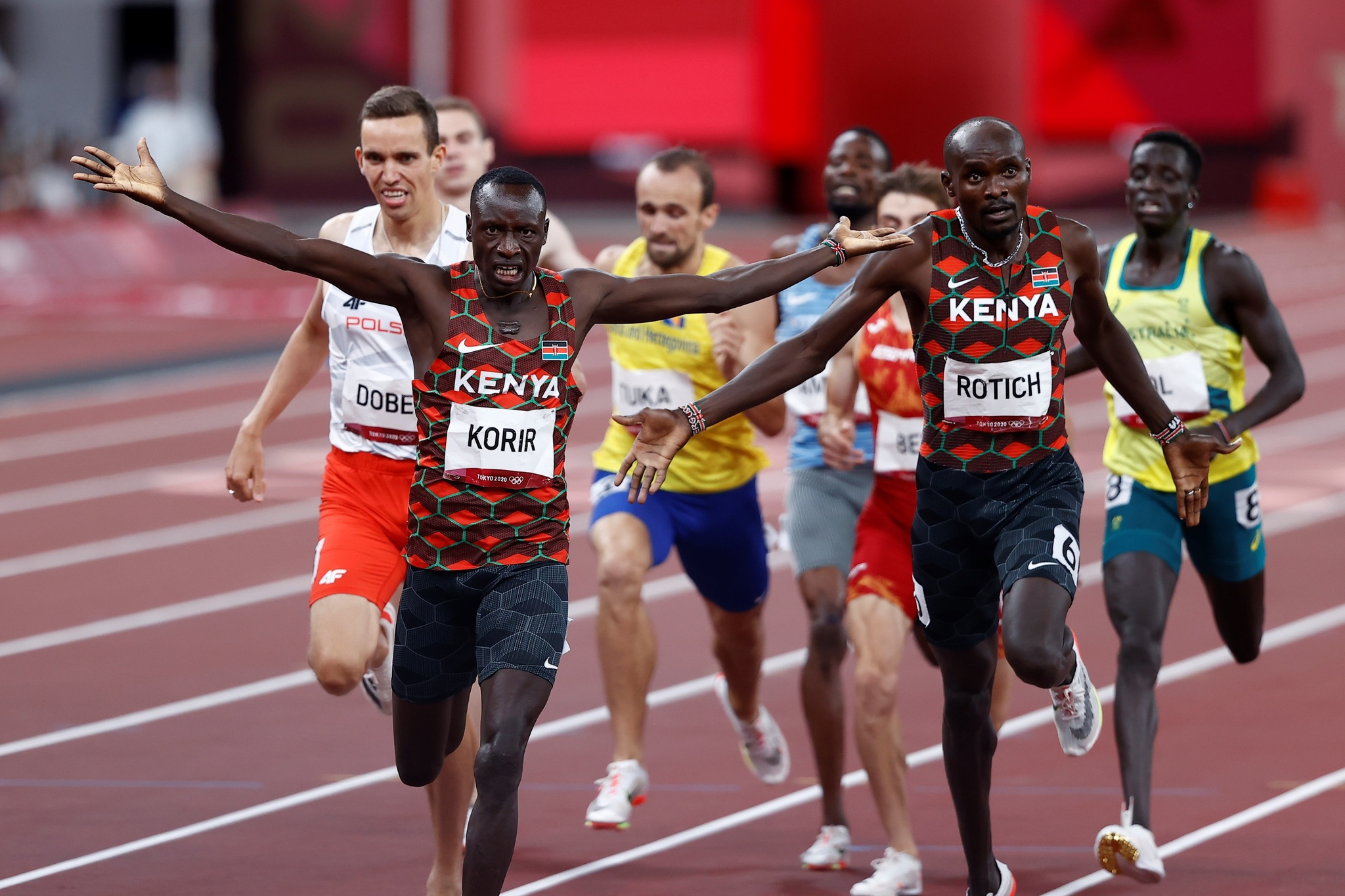 Kenya's Emmanuel Korir and Ferguson Rotich finish first and second respectively in the 800m race.