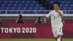 Kubo, celebrando uno de los goles en los Juegos Olímpicos