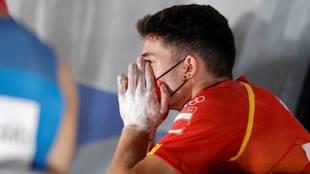 Alberto Ginés con gesto de sorpresa tras saber que ha ganado el oro...