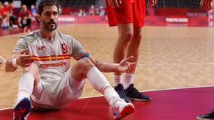 Raúl Entrerríos durante el partido ante Dinamarca /