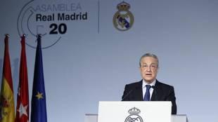 Florentino, en una Asamblea del Real Madrid.
