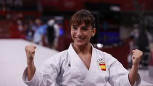 Sandra Sánchez celebra el título de campeona olímpica.