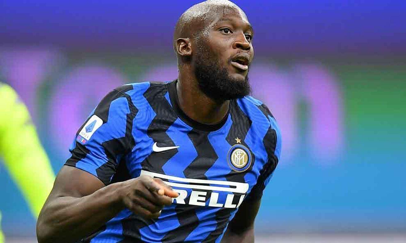 Romelu Lukaku celebrando un gol con el Inter.