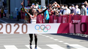 Jepchirchir clinches Olympic gold.