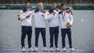 Craviotto, Walz, Arévalo y Germade, en el podio olímpico en Tokio.