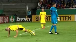 Haaland regresa con hat trick y 'show' en el penalti: ¡se pone a hacer flexiones!