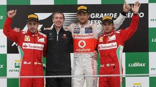 Button, Alonso y Massa en el podio de Brasil 2012