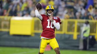 Jordan Love Aaron Rodgers Green Bay Packers NFL