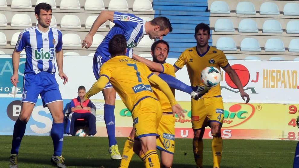 Yuri, de penalti, marca para la Ponferradina