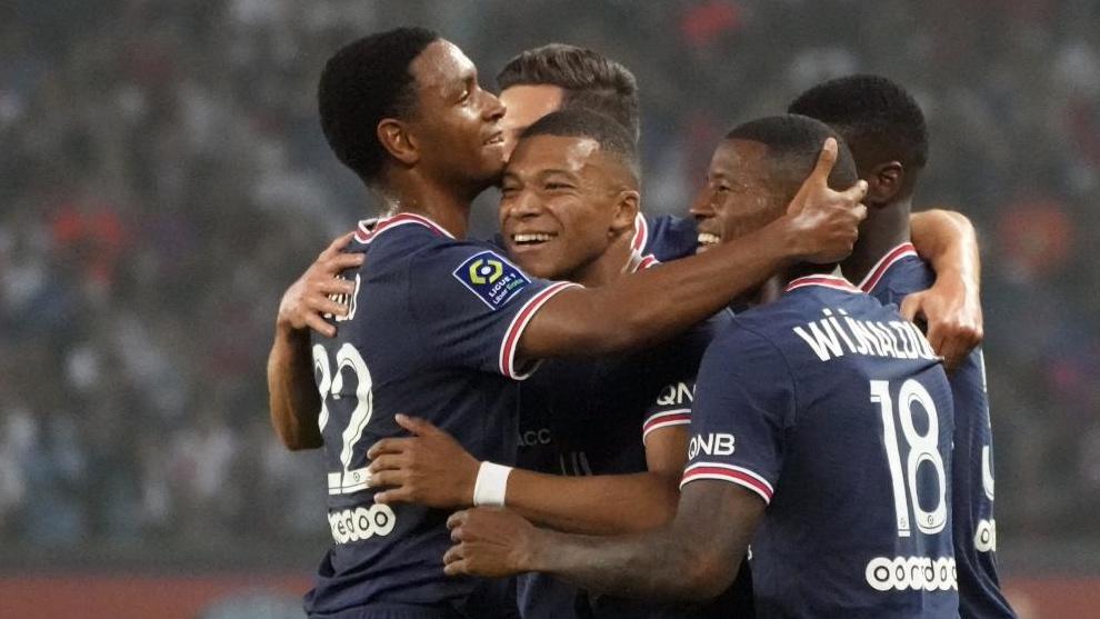 PSG y Racing de Estrasburgo disputaron la segunda jornada en Francia.