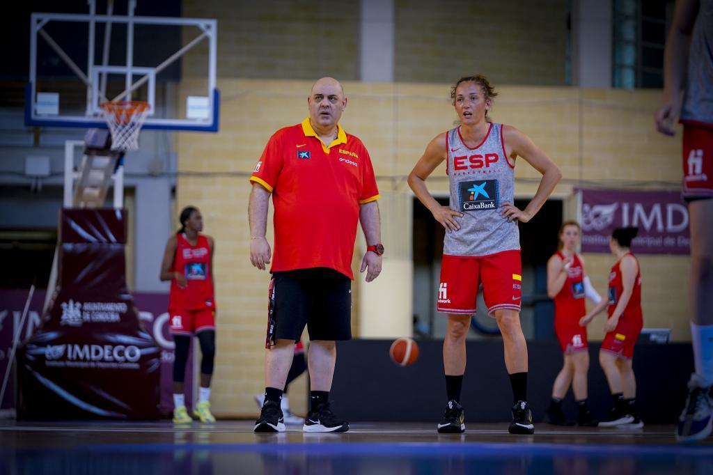 Lucas Mondelo y Laia Palau, durante un entrenamiento de la selección española.