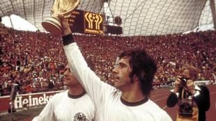 Muere 'Torpedo' Müller a los 75 años