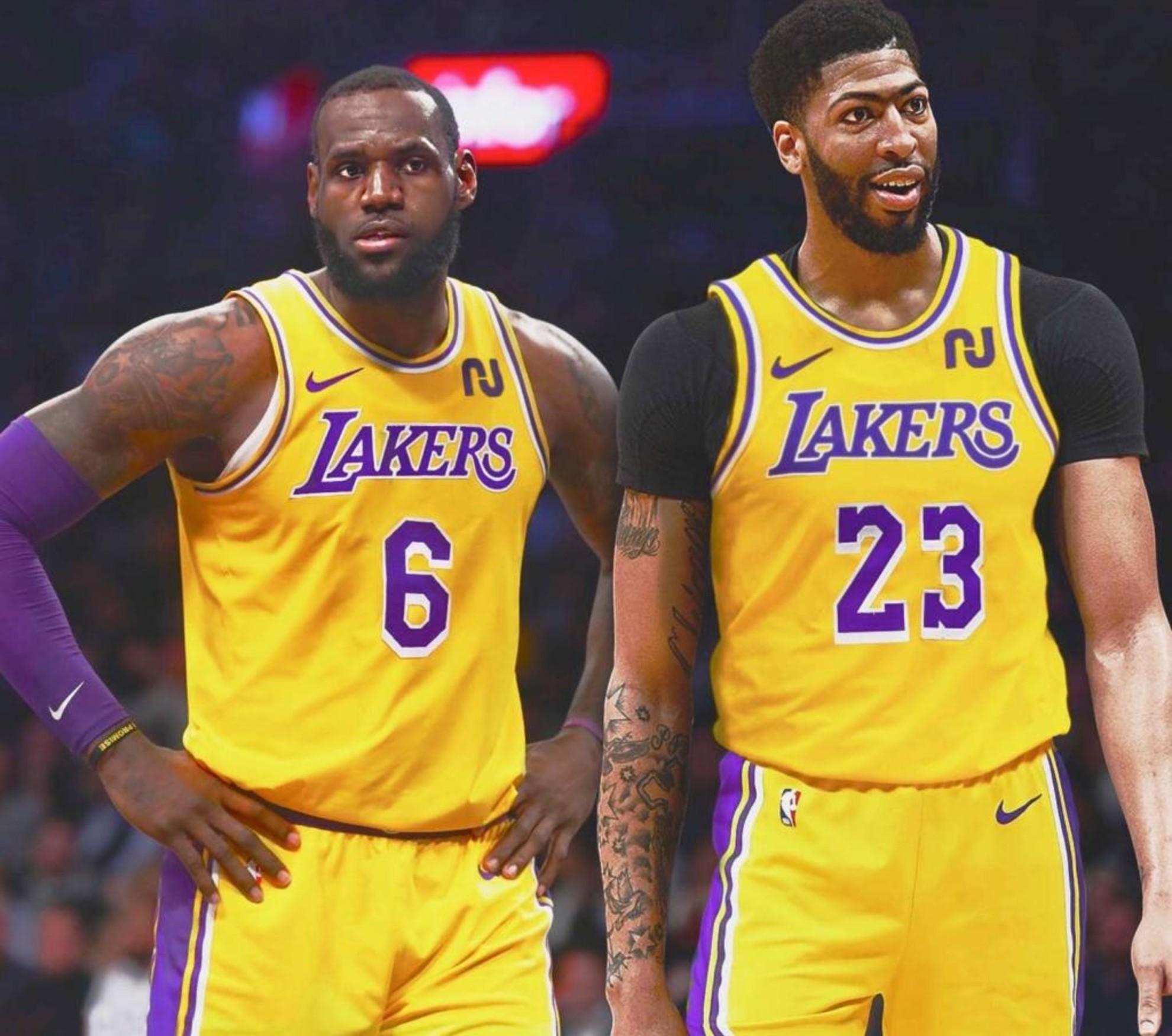 LeBron James y Anthony Davis, dos de las superestrellas de los Lakers.
