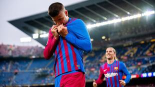 Gerard Piqué celebra el tanto ante la Real Sociedad