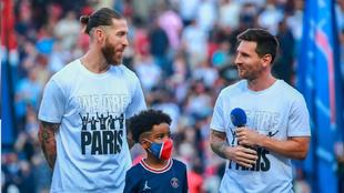 Ramos y Messi, durante la presentación del que será su nuevo...
