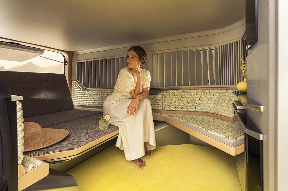 Dos Renault Trafic para estancias de lujo: SpaceNomad y Hippie Caviar Hotel