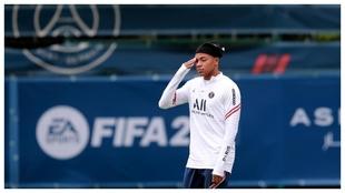 Mbappé, durante un entrenamiento con el PSG.