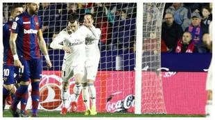 Bale rechaza la felicitación de Lucas tras marcar en el...