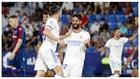 Bale celebra con Isco su gol al Levante.