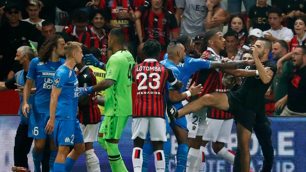 Las imágenes de la vergüenza en el partido entre el Niza y el Marsella