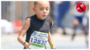 Nueve años, pulveriza a los de 18 y corre el kilómetro a 3.08