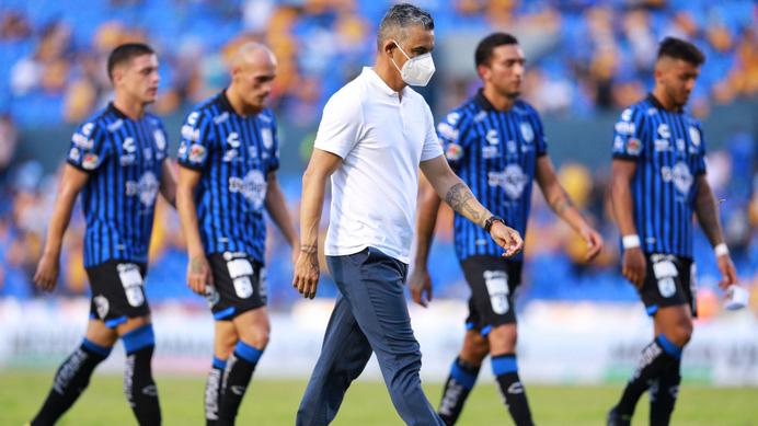 Pity Altamirano deja la dirección técnica de Gallos
